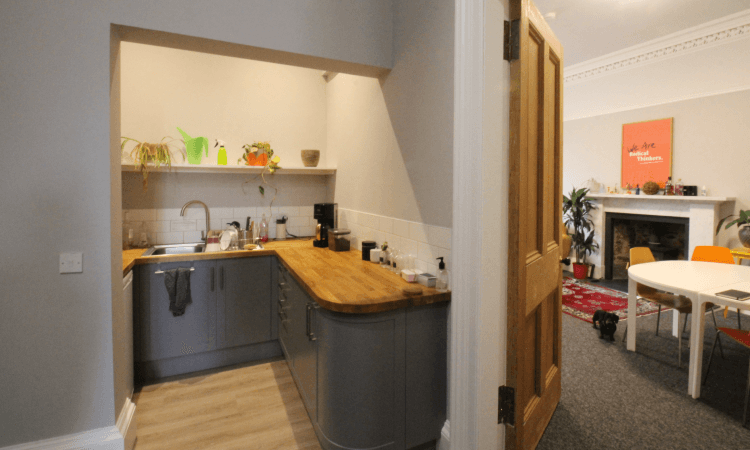 20 Manor Place - Kitchen.png