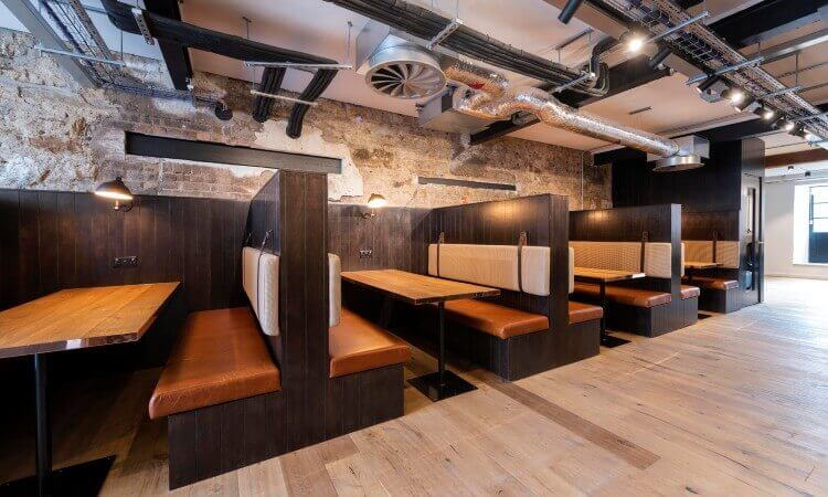 Commercial_Quay_-_Club_Lounge_Booths.jpg
