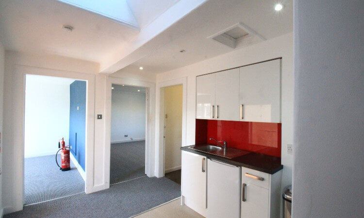 8 Randolph Place - Internal 1.jpg