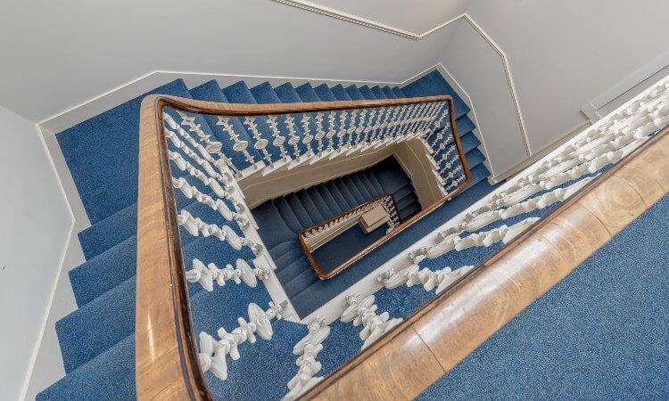11 Alva Street - Stairwell.jpg