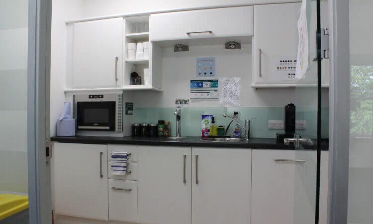 24_St_Johns_Road_-_1st_Floor_Kitchen.JPG