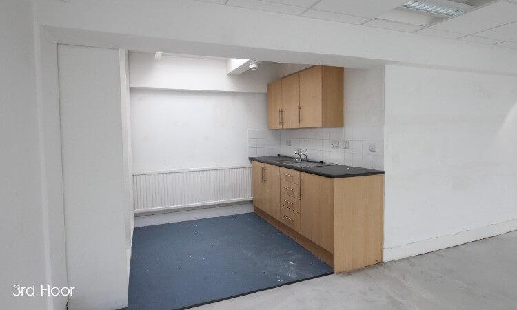 90a George Street - 3rd Floor Kitchen.jpg